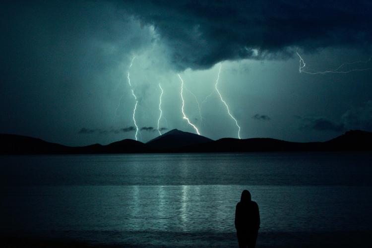 雷の夢の夢占い