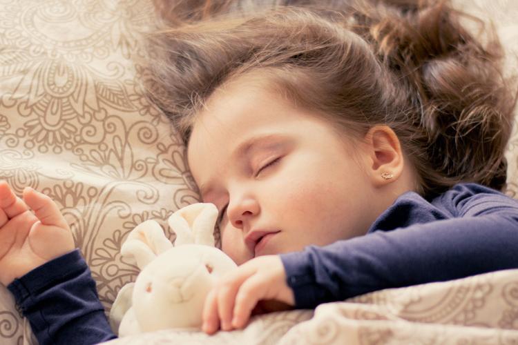 寝る・眠る夢の夢占い